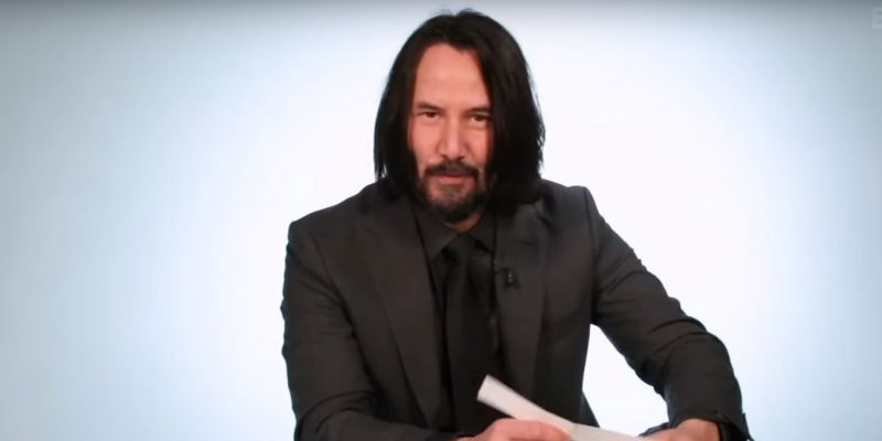 Keanu Reeves answers questions and plays with puppies (Video)